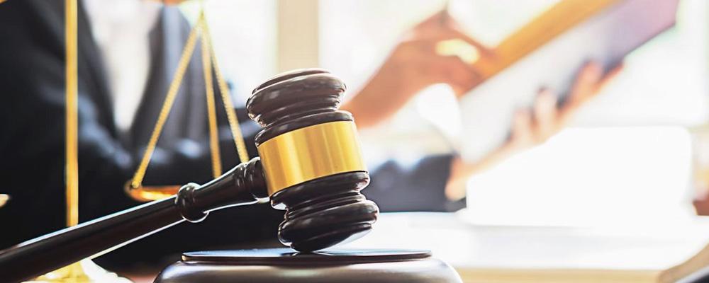 Перед обращением с заявлением в Арбитражный суд должником производится сбор доказательств. Составление иска и процедура его подачи регулируется ст. 213.4 Закона о несостоятельности.