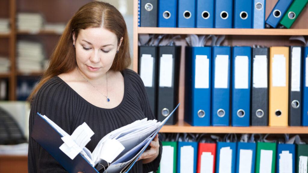 Должностная инструкция любого персонала, в том числе и специалистов HR-отделов, должна содержать 4 ключевых части: Общие положения.