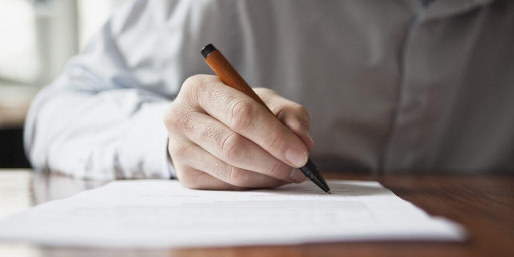 Месяц и дата начала отдыха определяются с учетом пожеланий каждого сотрудника организации. С подчиненными также согласовывается его разделение на несколько частей. Разработкой графика занимаются начальники структурных подразделений компании или предприятия.