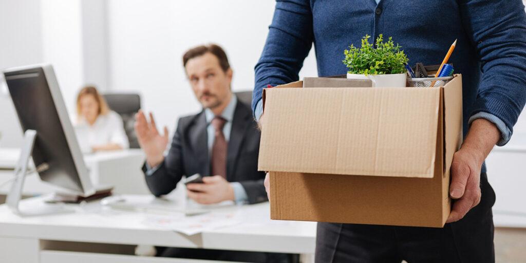 Статья 81 ТК содержит перечень оснований, при наступлении которых руководитель предприятия или организации вправе прекратить трудовые отношения с подчиненным.